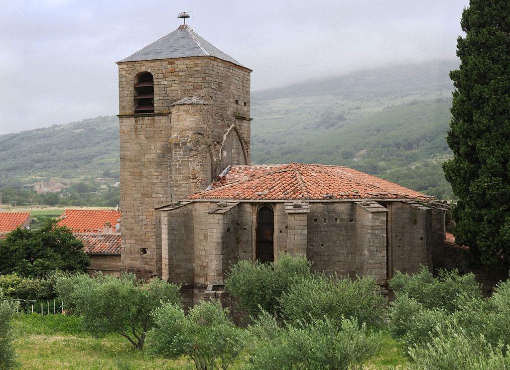 Église romane des Salses du 12ème siècle, monument historique en grès